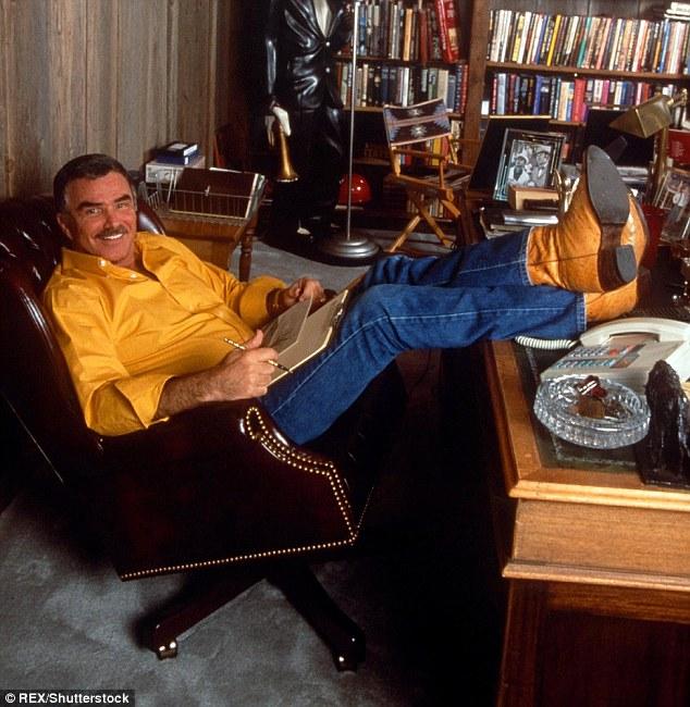 Reynolds était en train de se détendre chez lui à Miami, en Floride, en 1996