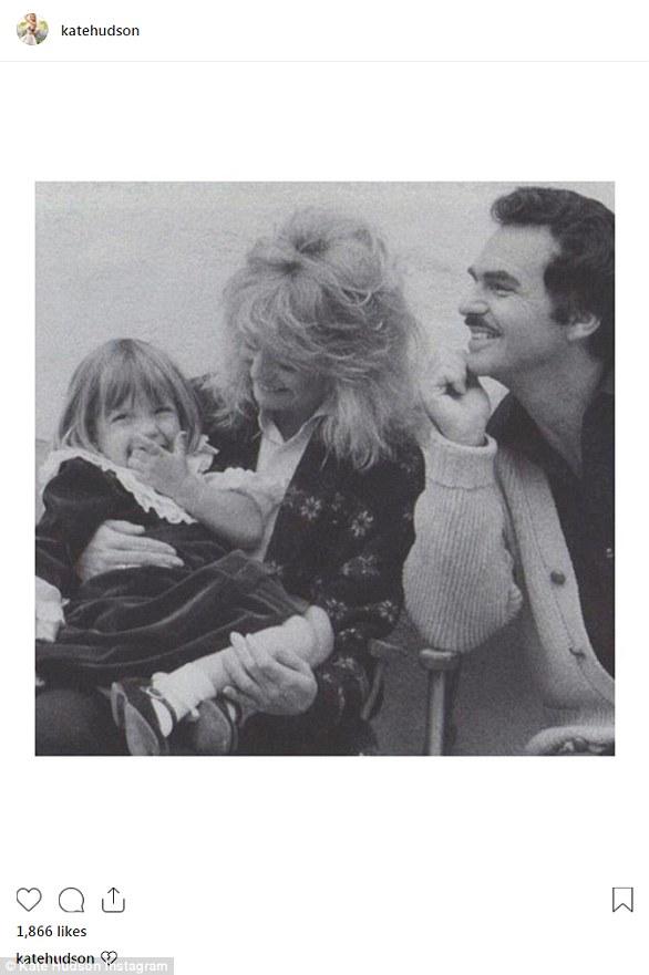 Toucher: Burt Reynolds est décédé jeudi matin à l'âge de 82 ans. Peu de temps après, des hommages pour l'icône du film ont afflué. Kate Hudson, dont la mère Goldie Hawn a travaillé avec la légende du grand écran, a partagé un emjoi au cœur brisé et une vieille photo.