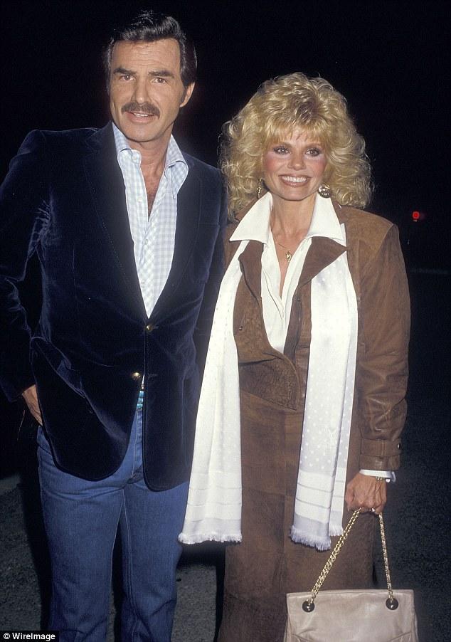 La vie personnelle de Reynolds éclipsait parfois ses films, les mariages se terminant par un divorce. Il est photographié avec la seconde épouse Loni Anderson en 1987