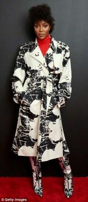 Naomi Campbell debuts new hairstyle at NYFW