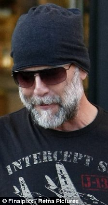 No Close Shaves For This Action Hero Bruce Willis Shows