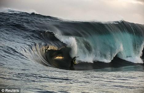 41-foot wave Kerby Brown