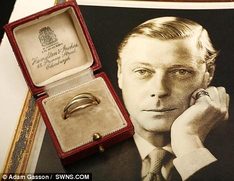 Duke Of Windsor Gold Ring Left To His Darling Wallis