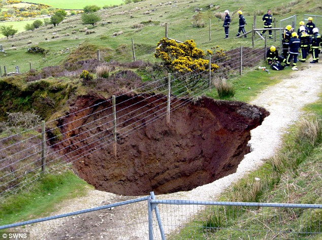 Image result for 2009 sinkhole minions cornwall
