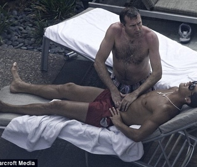 Enlarge Keeping In Shape A Tanned Cristiano Ronaldo Gets A Rub Down In Las Vegas