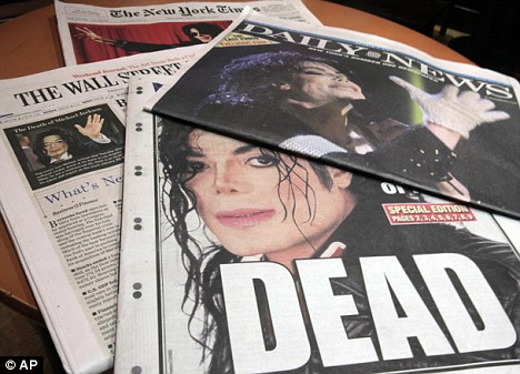 As newspapers across the world report Jackson's death, some bloggers on the web are insisting the star faked his death
