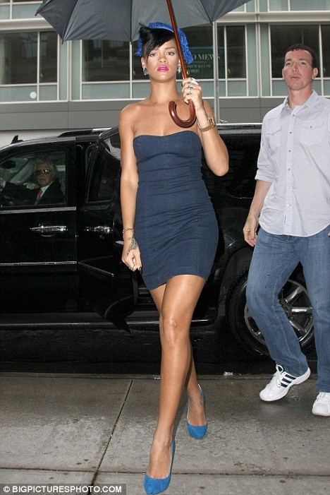 Rihanna: Cute From The Front