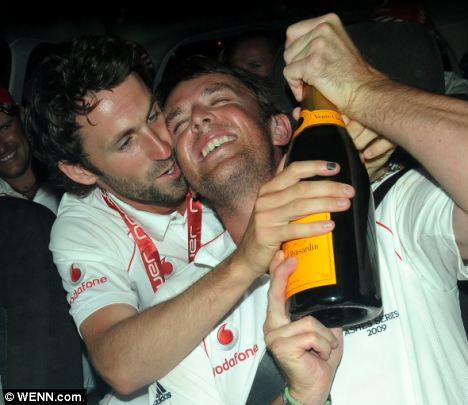 Graham Onions & Graeme Swann - from dailymail.co.uk