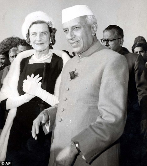 Forbidden love: Edwina and Nehru in the Moghul Gardens of the Viceroy house during celebrations to mark the 10th anniversary of the Republic of India in 1960