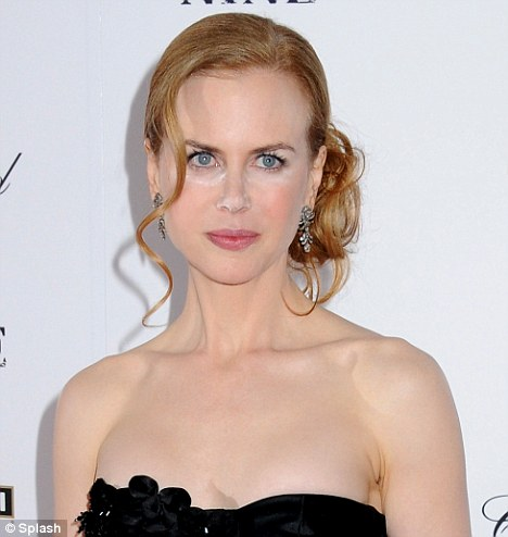 Nicole Kidman walks red carpet without blending her makeup for NYC Premiere of
