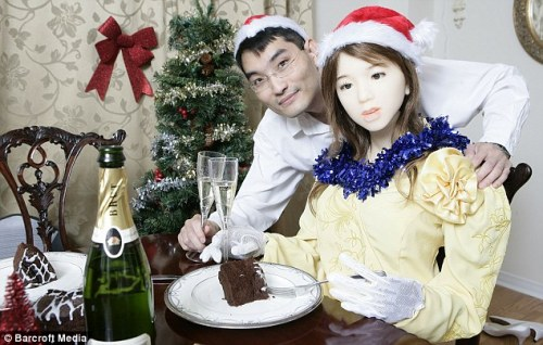I, Robot: Le Trung celebrates Christmas with his robot Aiko, who is so lifelike she speaks fluent English and Japanese