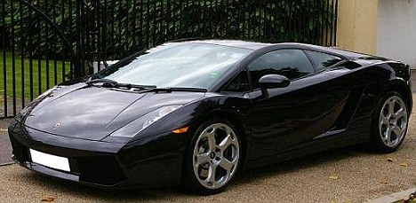Untouched: How the Gallardo should look without another car on top of it