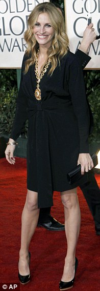 Julia Roberts arrives at the 67th Annual Golden Globe Awards