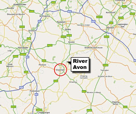 The crash took place near the village of Evesham on the River Avon