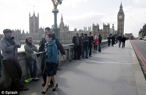Time for the end: America films her scenes on Westminster Bridge