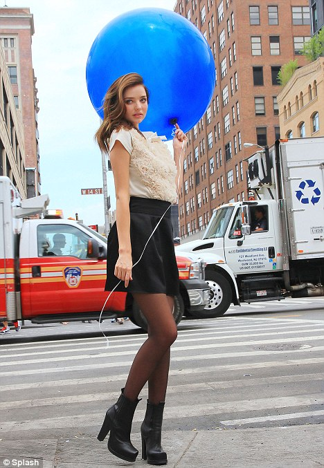Miranda Kerr Grips Her Helium Balloon During New York