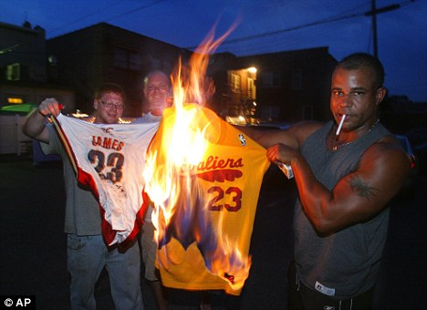 Lebron fans react to him leaving Cleveland