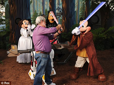 Fight scene: Lucas and Jedi Mickey have a lightsaber fight scene at the fan event