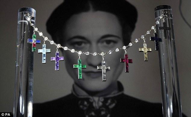 Wallis Simpson bracelet
