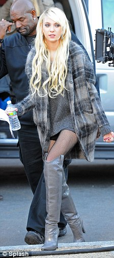Taylor Momsen Rocks ANOTHER Pair Of Thigh High Boots As