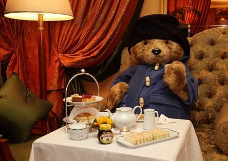 paddington-bear-tea-time