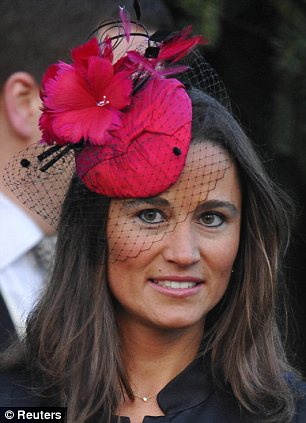 Kate Middletons Sister Pippa And Chelsy Davy At Harry