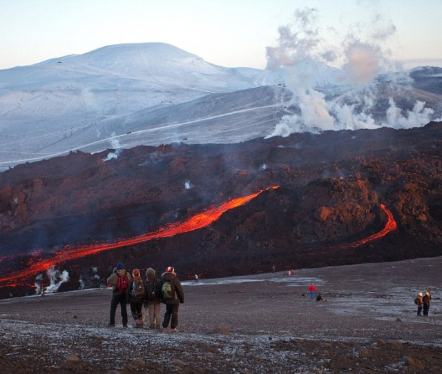 Travel Advice Can I Visit The Infamous Iceland Volcano Daily Mail Online