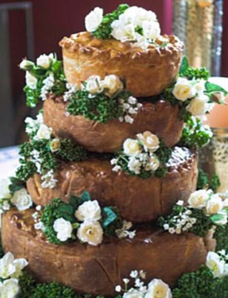 Wedding chic? Surprise your guests with a pork pie wedding cake