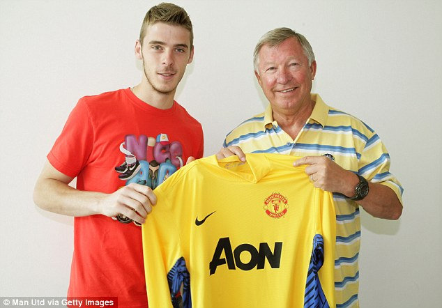 Welcome to Old Trafford: Manchester United boss Sir Alex Ferguson with new signing David De Gea