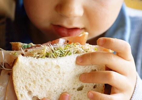 Alergias: ¿Es nuestro exceso de higiene que significa vida los niños se están volviendo alérgicos a alimentos básicos como el pan y la leche?