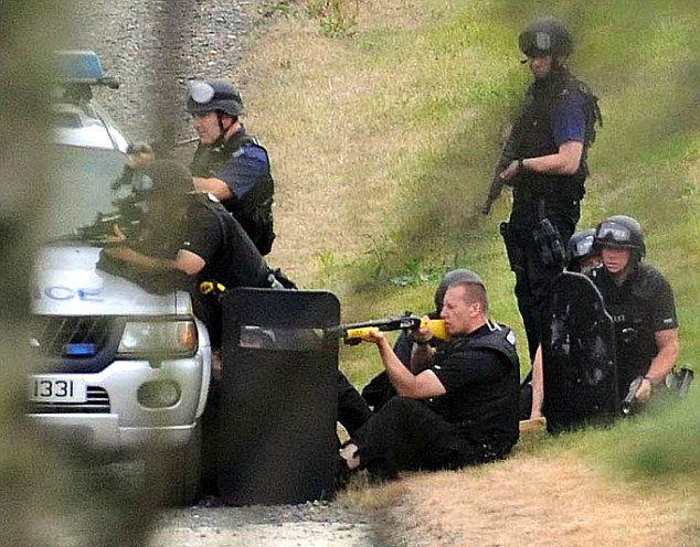 Police attempting to negotiate with Raoul Moat who shot himself in the head after a six-hour stand off