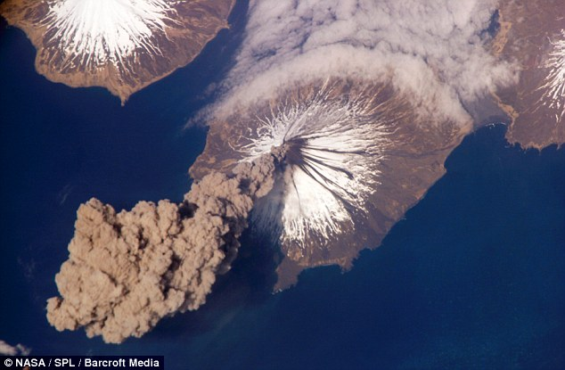 Spectacular: In Alaska, Mount Cleveland shows its force during an eruption captured by the International Space Station