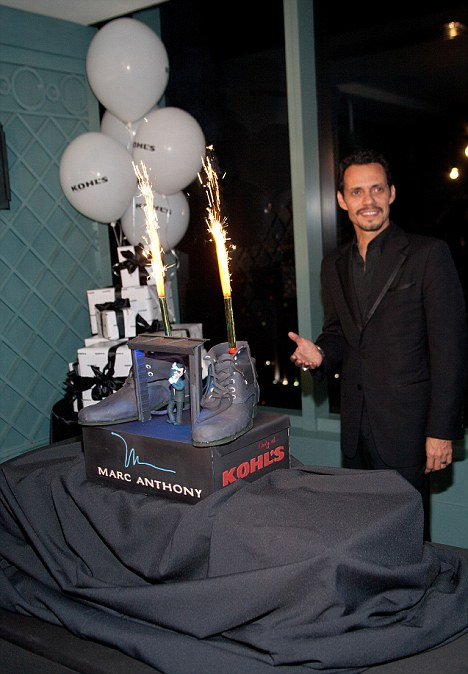 Marc Anthony Cries Onstage At His Birthday Concert In