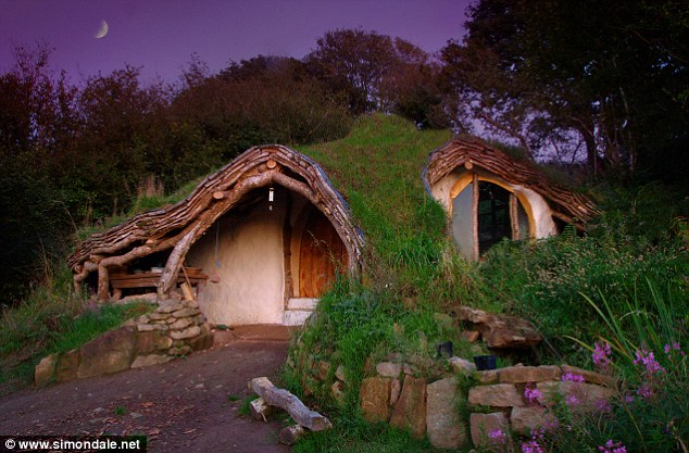 DIY: How to Build a Hobbit House (2/6)