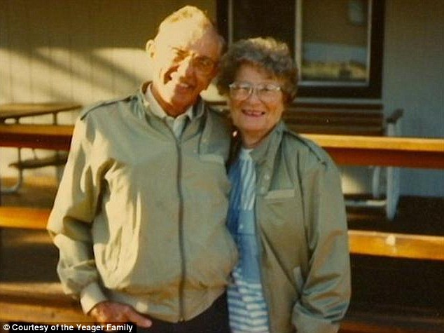 article 2051047 0E72CC2300000578 861 634x475 Gordon and Norma Yeager married for 72 yrs die an hour apart holding hands