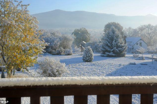 Invierno está aquí!  Los residentes de Vermont se despertó hasta seis pulgadas de nieve en la mañana del viernes