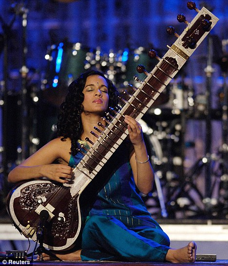 Chip off the old block: Anoushka performing on the sitar for the 2006 Grammy Awards