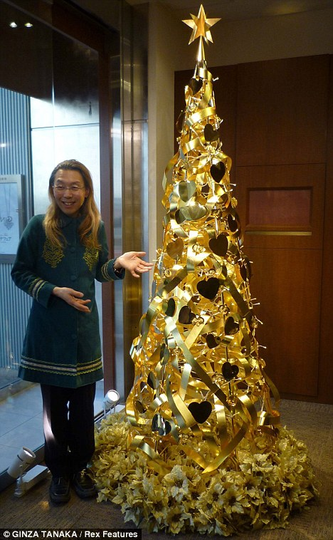 The 26lb Gold Christmas Tree Thats Worth 13million