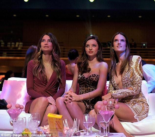 Victorias Secret Fashion Show 2011 Miranda Kerr And