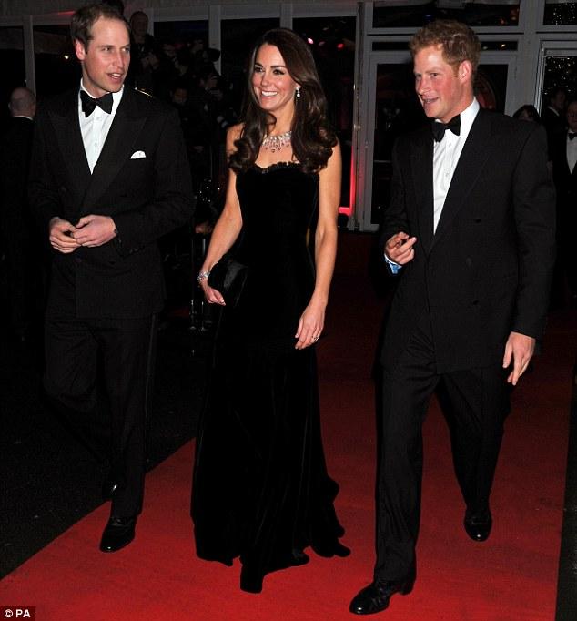 Kate Middleton Shines At Sun Military Awards In Strapless
