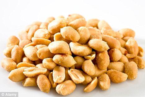 Popular: Los cacahuetes son tuerca más ampliamente consumido en Europa, que representan el 45 por ciento del mercado de la tuerca del continente
