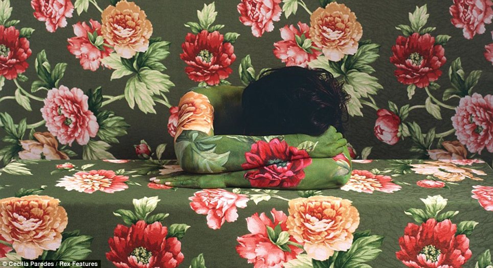 Body Painting Self Painted Cecilia Paredes Green Floral Table and Wall Body Camouflage