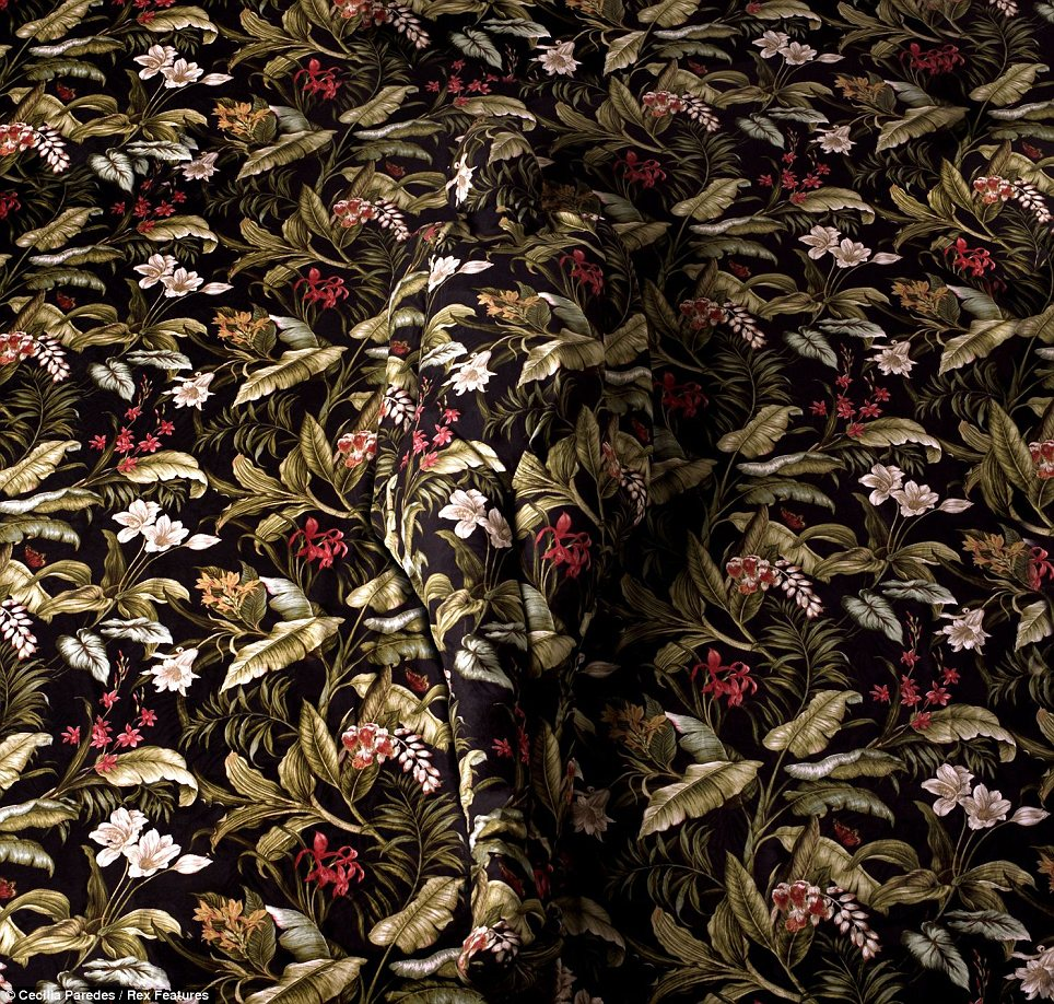 Body Painting Self Painted Cecilia Paredes Floral Rug Body Camouflage