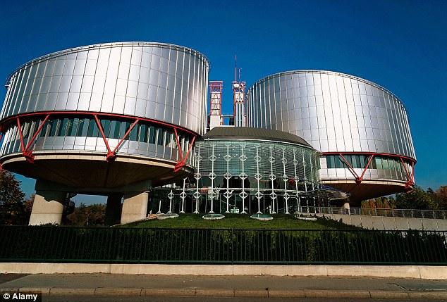 El Tribunal Europeo de Derechos Humanos de Estrasburgo ha anulado todas las cortes de Gran Bretaña en el fallo que Abu Qatada puede permanecer en Gran Bretaña