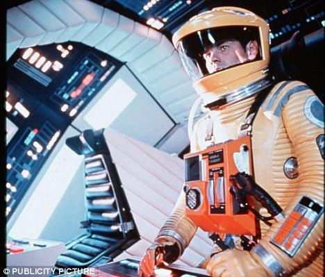 Peligroso tecnología: Una escena de la película 2001: Una odisea del espacio en el que programas de ordenador HAL 9000 le gana los seres humanos