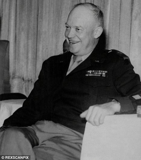 Extraño: El ex presidente de Estados Unidos Dwight D. Eisenhower tenía tres reuniones secretas con los extranjeros, un ex asesor del gobierno de EE.UU. ha reclamado