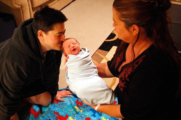 Hogar, dulce hogar: Jensen se trae de nuevo a la casa de Beatie en Phoenix, Arizona