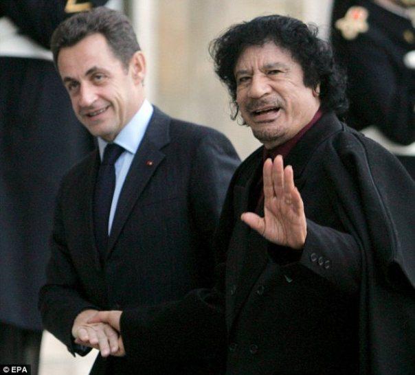 In der Nähe: außergewöhnliche Beweise veröffentlicht in Paris wird gesagt, um zu beweisen, dass die beiden ehemaligen engen Verbündeten eine illegale finanzielle Vereinbarung, die Herr Sarkozy an die Macht katapultiert hatte im Jahr 2007