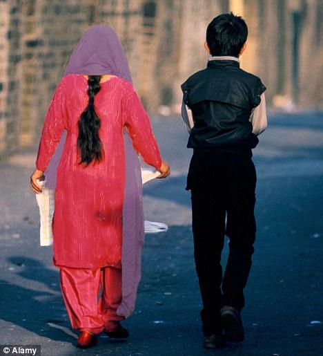 Niño de la boda: Ha habido 400 casos de matrimonios forzados en el último año