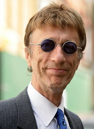 Robin Gibb in coma as doctors fear he only has days to live